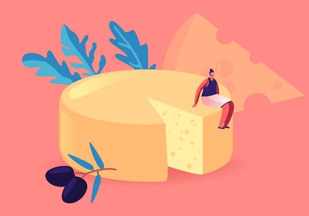 Winzige weibliche gourmet-figur, die auf einem riesigen runden block frischen gelben käses mit oliven sitzt. cartoon-illustration