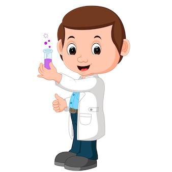 Wissenschaftler oder professor, die flasche halten