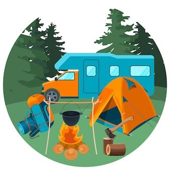 Wohnwagen im wald mit picknickausrüstung. zubehör für camping rest und wanderaktivitäten vector illustration. outdoor-urlaubskonzept