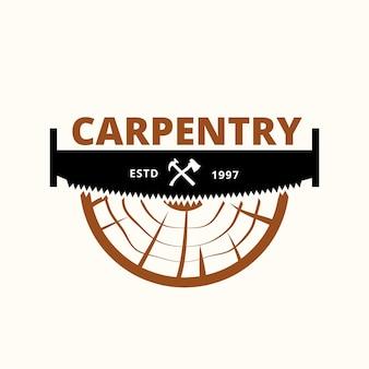 Wood industries company logo mit dem konzept von sägen und zimmerei und vintage-stil