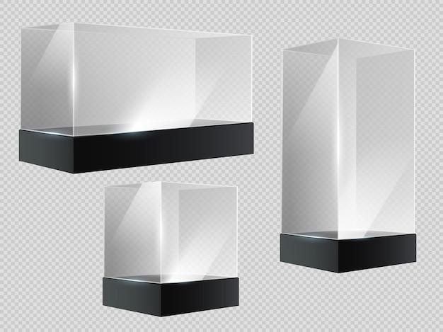 Würfel aus glas. transparente plastikvitrine, leeres einzelhandels- oder museumsdisplay in blockform in der perspektive. 3d-prisma steht, aquarium-vektor-set. illustrationsglas transparente und durchscheinende leere box