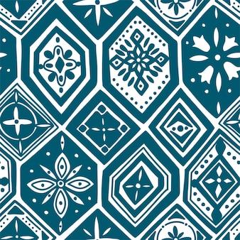 Wunderschönes nahtloses muster mit indigoblauen fliesen, ornamenten. kann für tapeten, musterfüllungen, webseitenhintergrund, oberflächenstrukturen verwendet werden.