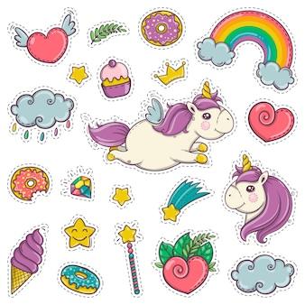 Zauberstab, einhorn, regenbogen, süßigkeiten, eis. set aufkleber patches abzeichen pins drucke für kinder. cartoon-stil. handgezeichnete vektor-illustration.
