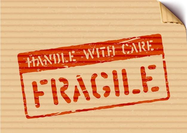 Zerbrechliches schild auf karton für logistik oder fracht. bedeutet mit sorgfalt behandeln. grunge-vektor-illustration mit gebogener kartonecke