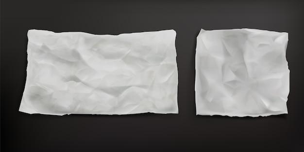 Zerknitterte backpapierblätter isoliert. vektor realistisch von leerem altem papier mit faltiger textur, falten und zerrissenen kanten. pergamentfreies pergamentblatt