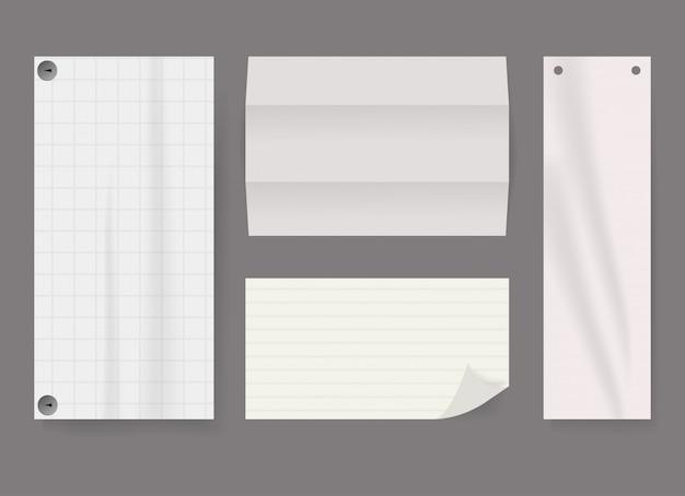 Zerknittertes papierset aus dem noterbook.