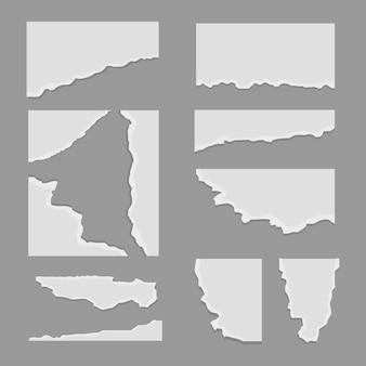 Zerrissene papiernotizen. weißes notizbuch-grunge-blatt, realistisches klebriges massageetikett, zerrissener papppfosten. zerrissenes notizenset
