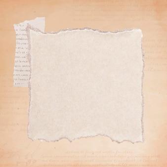 Zerrissener alter beige papierhintergrund