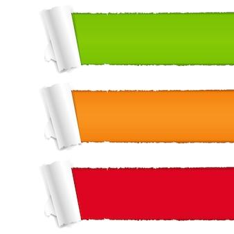 Zerrissenes papier mit farbigem hintergrund