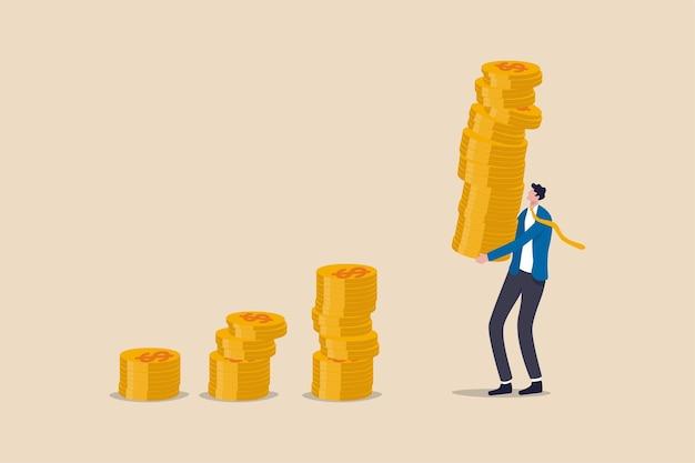 Zinseszins-effekt, aktienmarkt mit hoher rendite oder wirtschaftliches konzept für wachstum und wohlstand, geschäftsmann-investor, der einen hohen stapel von dollar-geldmünzen hält, um ihn als zusammengesetzte wachstumsgrafik zu setzen.