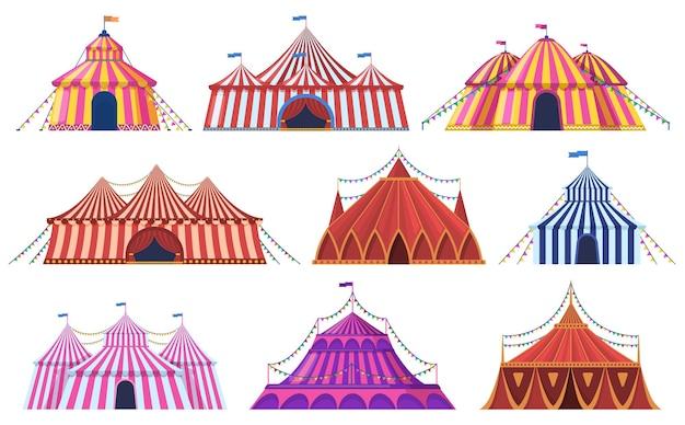 Zirkuszelt. vintage karneval zirkuszelt des vergnügungsparks mit flaggen, vergnügungsattraktion. zirkusunterhaltungszelte aufgestellt. gestreifte festzeltkuppel.