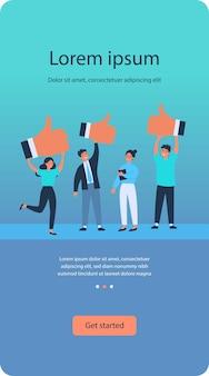 Zufriedene kunden geben positives feedback zur produktqualität