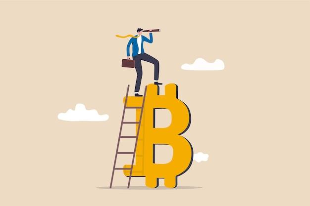 Zukunft von bitcoin und kryptowährung, investitionsmöglichkeit oder alternatives finanzanlagenkonzept, geschäftsmann klettert mit einem fernglasteleskop auf die leiter auf bitcoin, um die gelegenheit zu sehen.