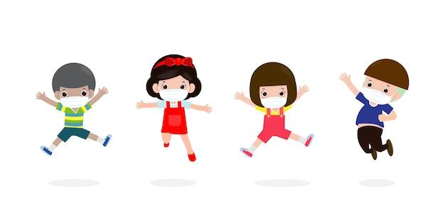 Zurück in die schule für ein neues normales lifestyle-konzept. glückliche kinder springen mit gesichtsmaske schützen corona-virus oder covid 19, gruppe von kindern und freunden gehen isoliert zur schule