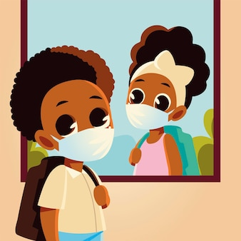 Zurück zur schule des mädchens am fenster und des jungenkindes mit medizinischen masken, sozialer distanzierung und bildungsthema