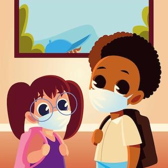 Zurück zur schule von mädchen und jungen mit medizinischen masken und taschen, sozialem abstand und bildungsthema