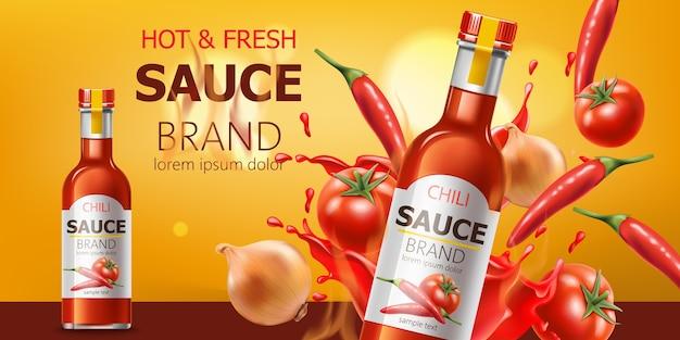 Zwei flaschen mit heißer und frischer chilisauce, eingetaucht in flüssigkeit, tomaten, chili und zwiebeln. platz für text. realistisch