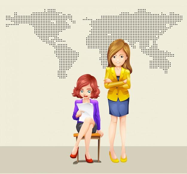 Zwei geschäftsfrauen und weltkarte