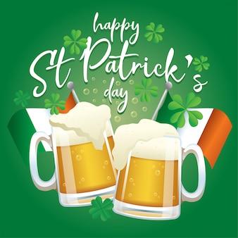 Zwei glas bier jubeln für die st patrick's day feier