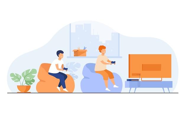 Zwei glückliche aufgeregte jugendlich kinder, die auf sofa am fernsehen mit gamepads sitzen und videospiel spielen. vektorillustration mit zeichentrickfiguren zum spielen, junge spieler, kinderfreizeit