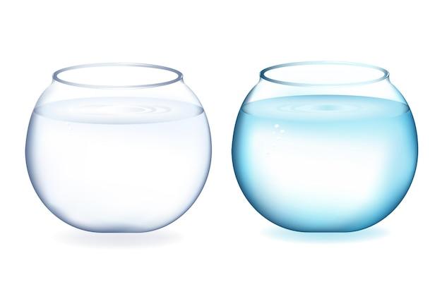 Zwei goldfischglas mit wasser, isoliert auf weiß