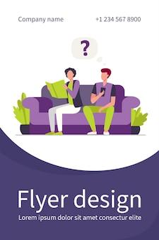 Zwei kerle sitzen auf sofa mit buch und smartphone