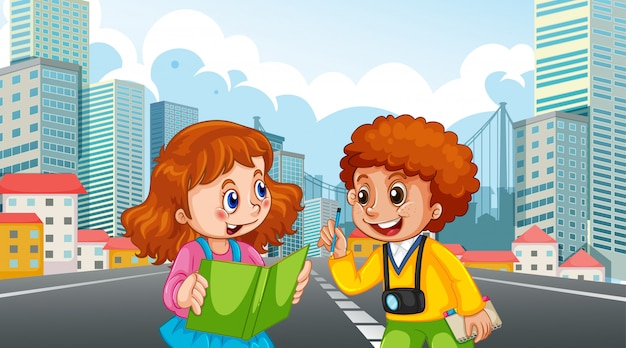 Zwei kinder in der stadtszene