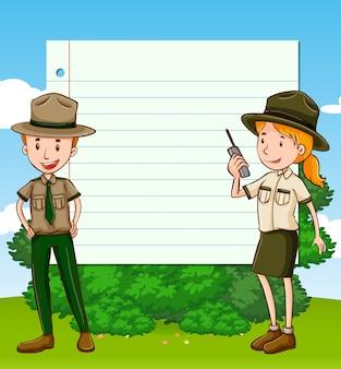 Zwei park ranger und papierschablone