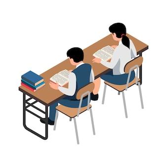 Zwei schüler, die buch an der isometrischen illustration des schreibtisches auf weiß lesen