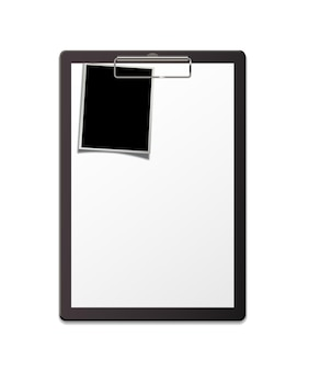 Zwischenablage mit papierbogen und fotovorlage fragebogen oder formular leer moc up