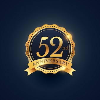52 rótulo aniversário celebração emblema na cor dourada