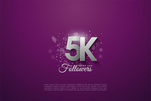 5k seguidores com numerais prateados empilhados em cima de um fundo roxo escuro.