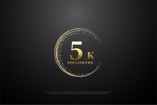 5k seguidores com número cercado por areia dourada formando um semicírculo.