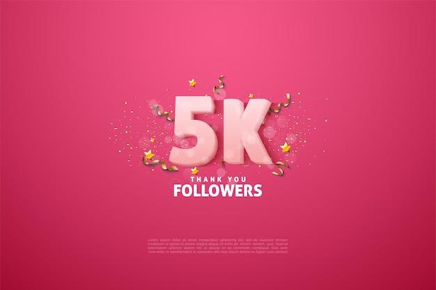 5k seguidores com números e letras em um fundo rosa.