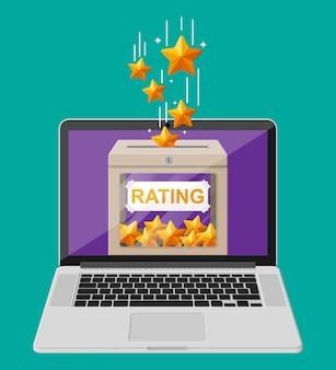 A caixa de avaliação na tela do laptop analisa cinco estrelas online