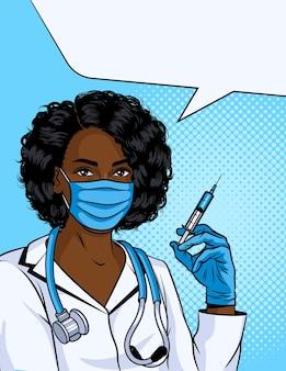 A enfermeira está dando a vacina.