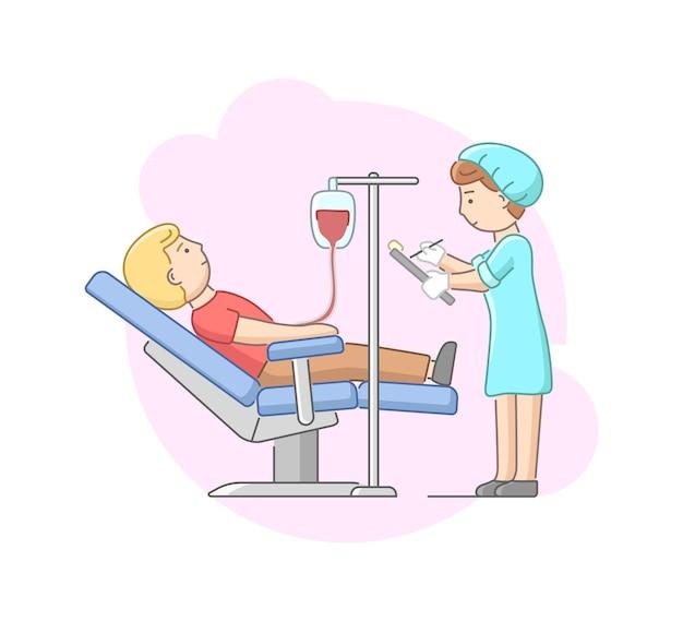 A enfermeira no uniforme controla o procedimento e faz anotações
