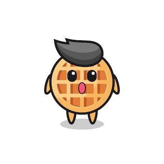 A expressão espantada do desenho animado do círculo waffle, design bonito
