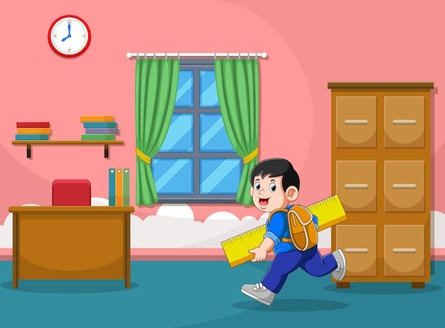 A ilustração do menino corre e segura a grande régua amarela