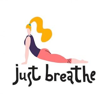 A jovem mulher senta-se em uma pose da ioga garota do yoga em posição de aptidão.