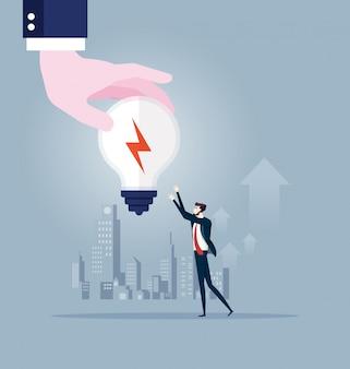 A mão grande dá a ideia a ampola ao homem de negócios. vetor de conceito de negócio