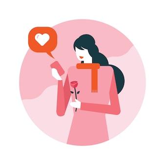A mulher feliz recebe a mensagem de texto do amor no telefone móvel.