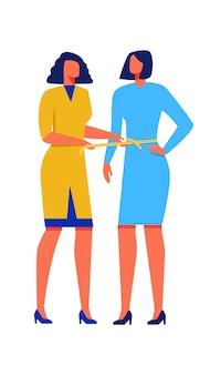 A mulher mede a fita métrica da cintura outra mulher.