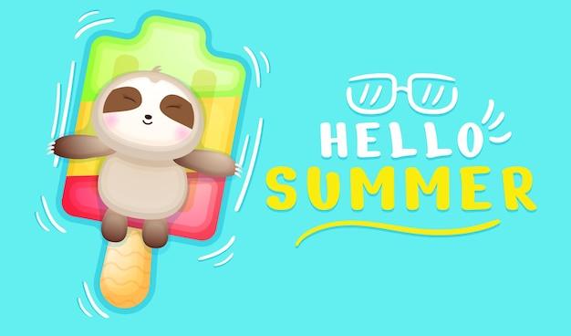 A preguiça bebê fofa deitada na bóia de sorvete com a bandeira de saudação de verão
