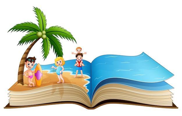 Abra o livro com crianças felizes na praia tropical