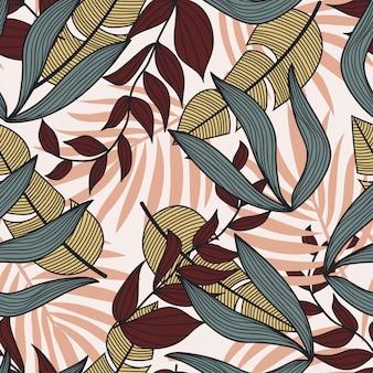 Abstrata sem costura padrão com folhas tropicais coloridas e plantas em fundo branco