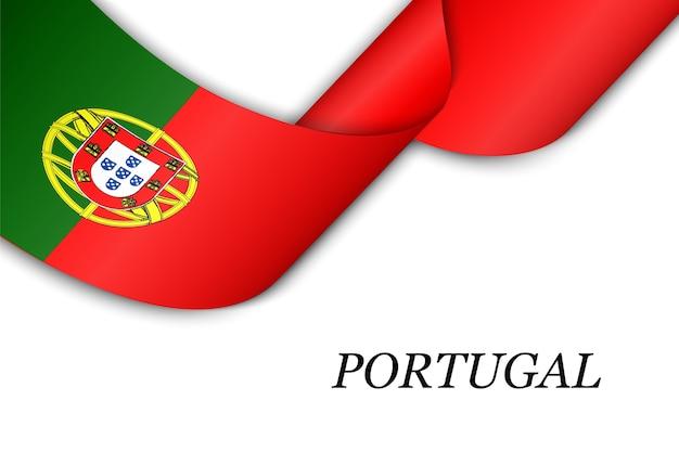 Acenando a fita com a bandeira de portugal.