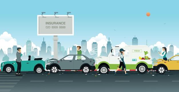 Acidente de viação na estrada com faixas de seguros como pano de fundo.