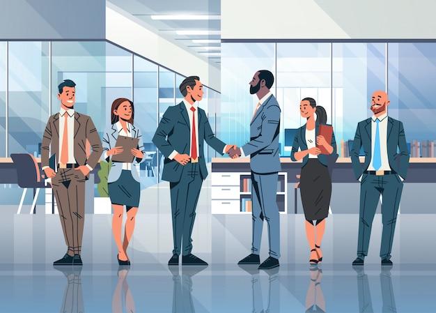 Acordo de aperto de mão de empresários