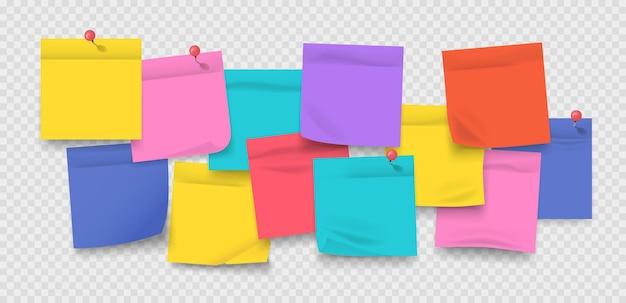 Adesivos coloridos com alfinetes, folhas de caderno realistas e memorando